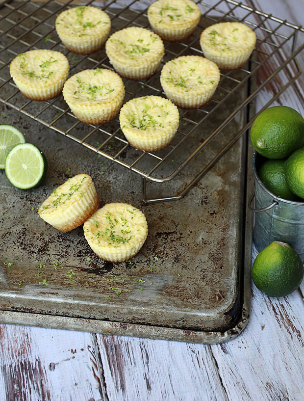 Low Carb Key Lime Cheesecakes | Shared via www.ruled.me