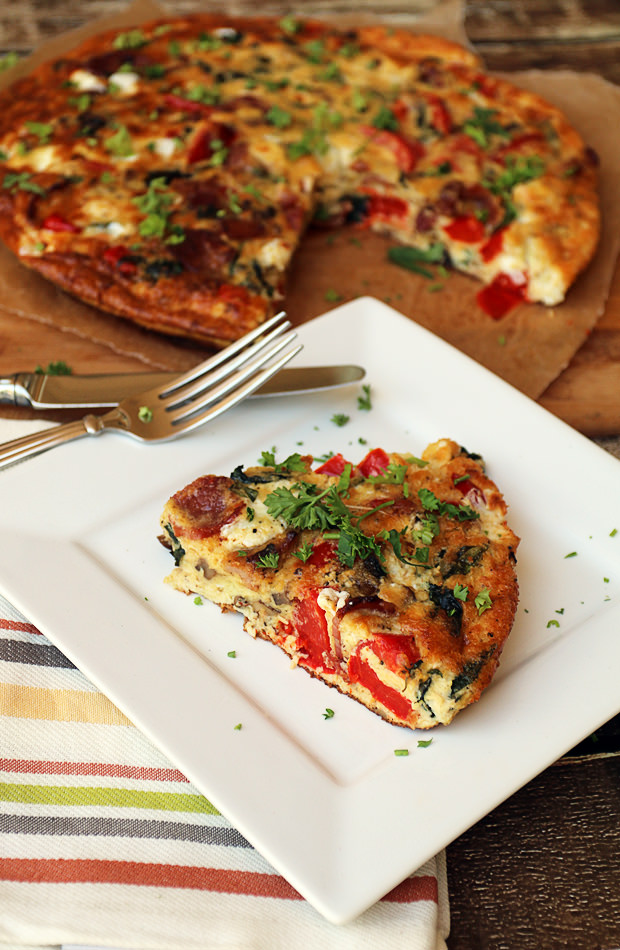 Bacon, Red Pepper, and Mozzarella Frittata | Shared via www.ruled.me
