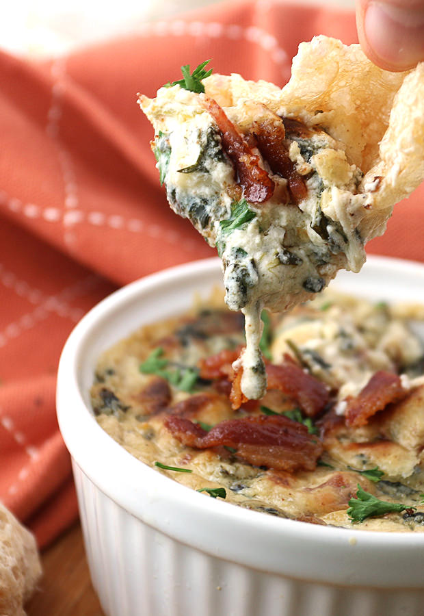 So good, not even your guests will know this party dip is low-carb! Shared via www.ruled.me/
