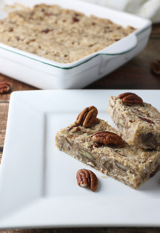 Maple Pecan Fat Bomb Bars - The Perfect #LowCarb Breakfast On-The-Go!  Shared via www.ruled.me/