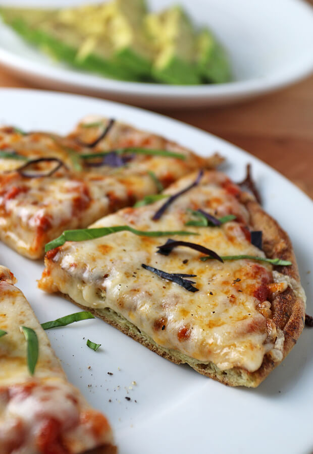 A #keto pizza made in just over 5 minutes. Definitely don't miss out on this one! Shared via www.ruled.me/