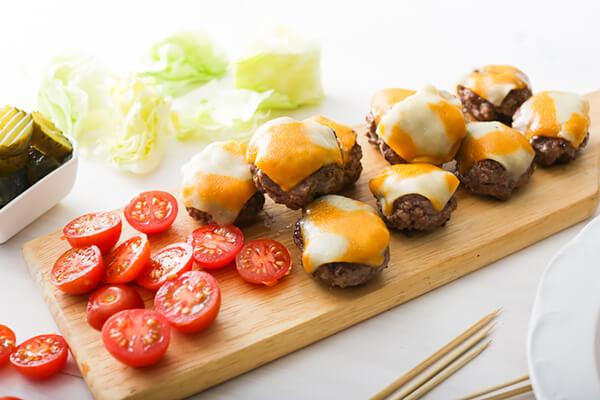Keto Bacon Cheeseburger Kebabs