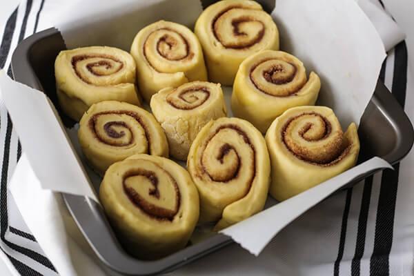 Gooey Keto Cinnamon Rolls