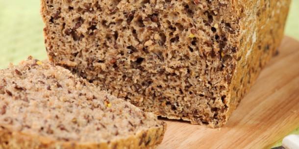 Low Carb Flax Bread via www.ruled.me