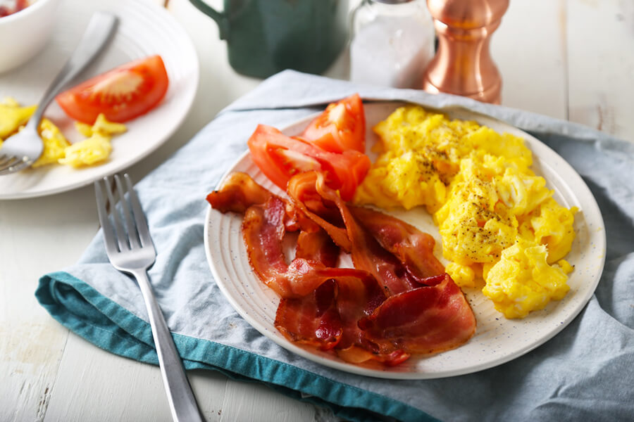 Keto Breakfast: Bacon & Eggs