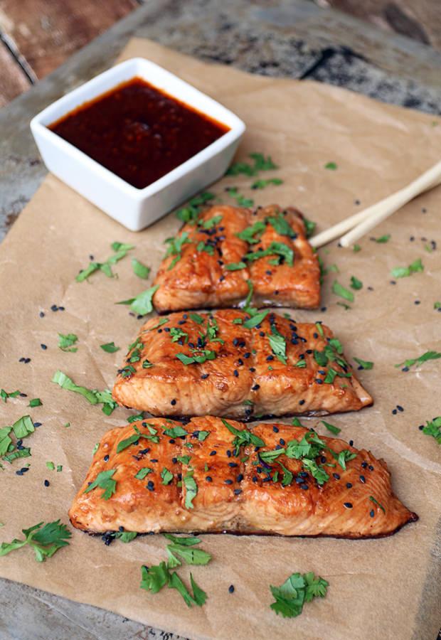 Ginger Sesame Glazed Salmon | Shared via www.ruled.me