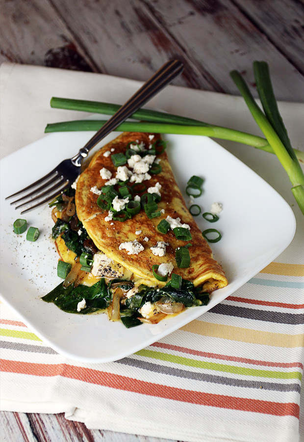 Spinach, Onion, and Goat Cheese Omelette | Shared via www.ruled.me