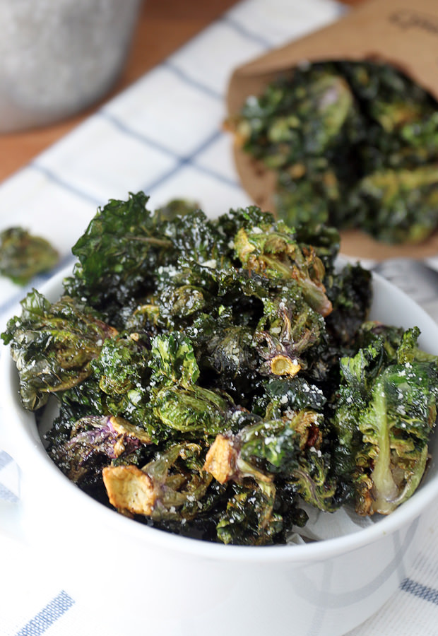 A crunchy and delicious #keto side dish that'll be an instant hit with everyone! Deep Fried Kale Sprouts. Shared via www.ruled.me/
