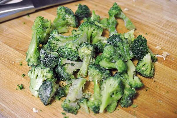 5Cut broccoli florets