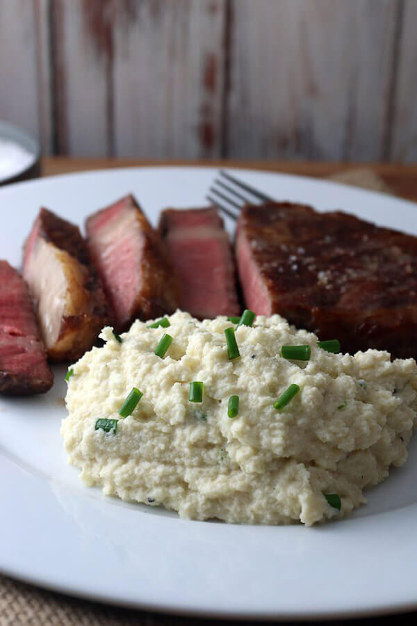 Easy Creamy Cauliflower Mashed Potatoes
