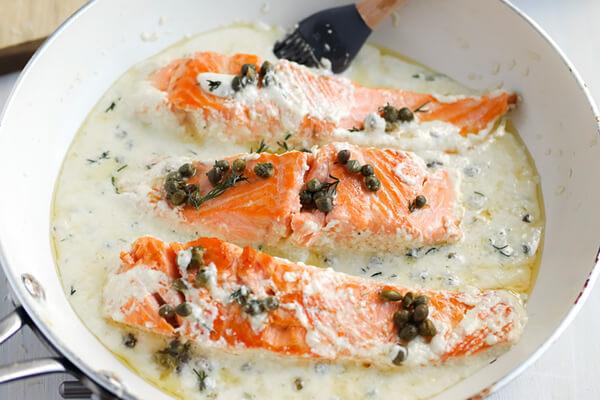 Creamy Lemon and Dill Pan Seared Salmon