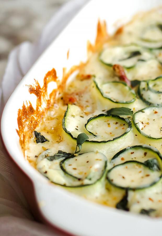 Creamy Spinach Alfredo Zucchini Rolls