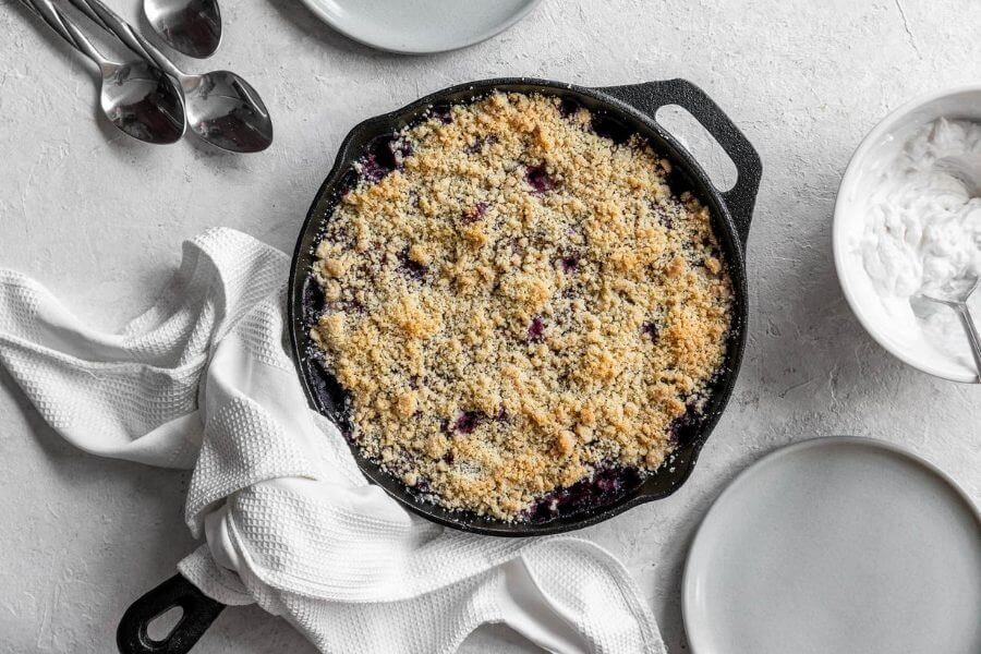 Keto Blackberry and Zucchini Crumble