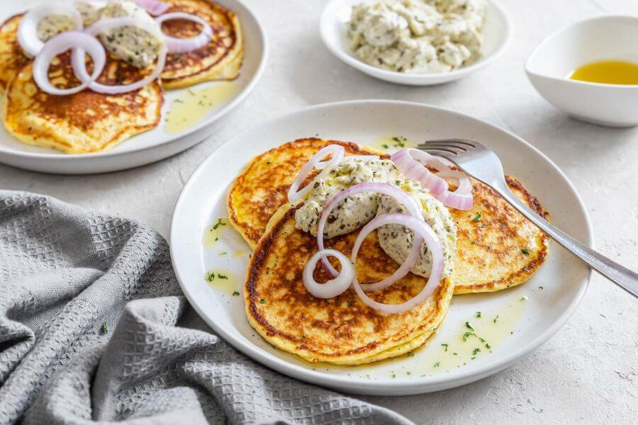 Pancakes with Cream Cheese Featured